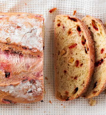 Beetroot apple loaf
